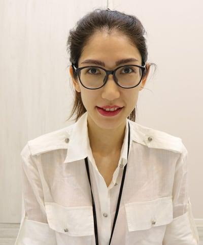 植眉手術後2周戴眼鏡上淡妝
